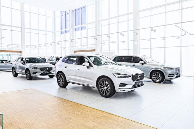 volvobilar inne hos bilförsäljare